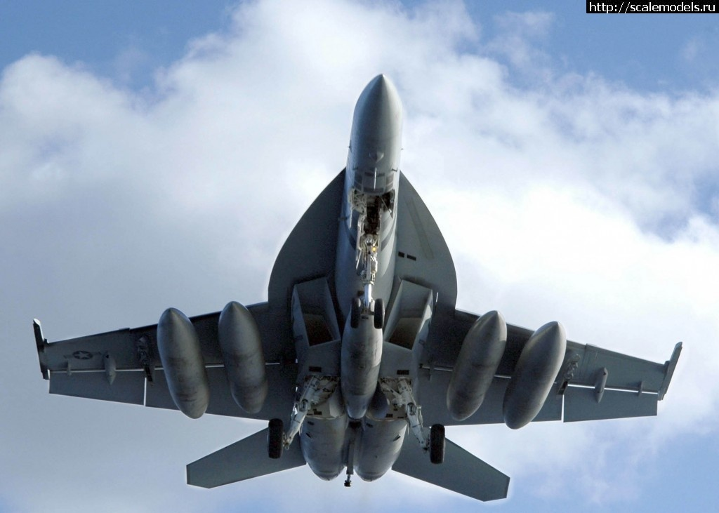 Boeing pitches f/a-18 advanced super hornet to india for local production under the make in india fighter program