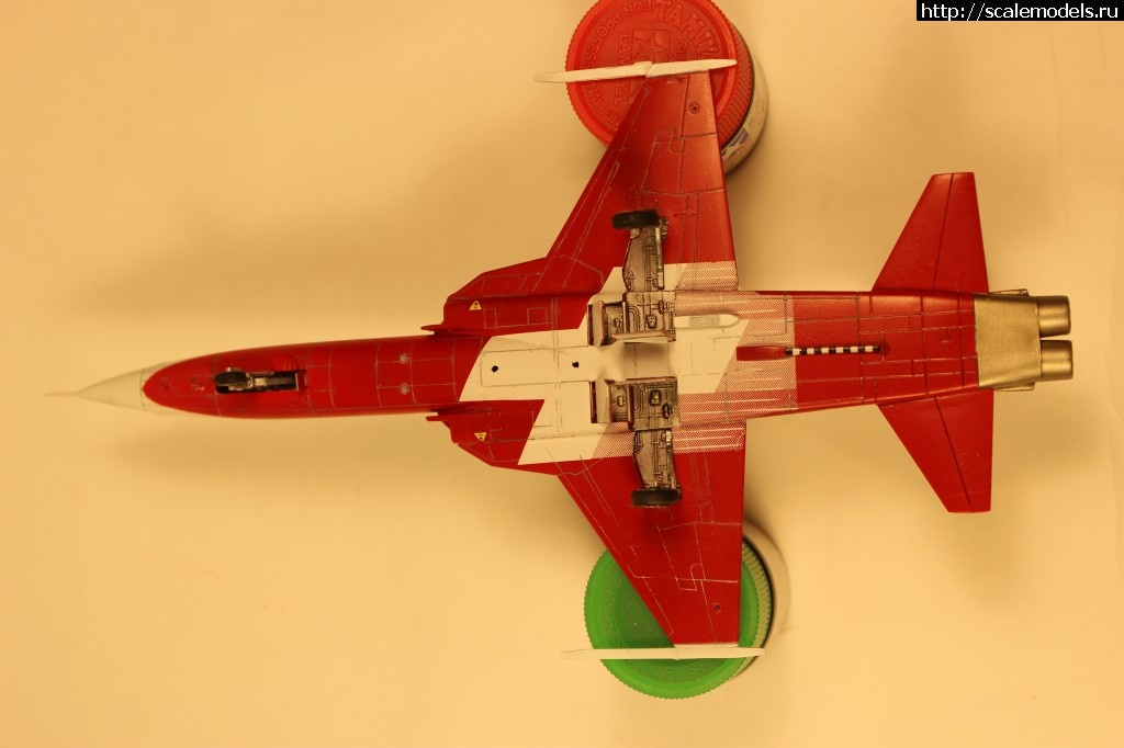 F-5E Tigher ll Patrouille Suisse hobby boss 1:72 ГОТОВ Закрыть окно