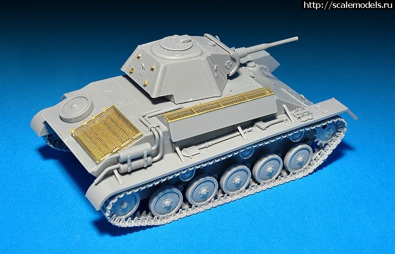 MiniArt 1/35 Советский легкий танк Т-70М с экипажем Закрыть окно